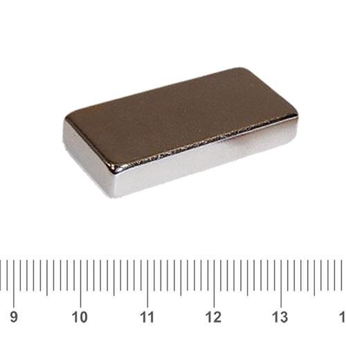 28 x 13 x 5mm Rectangle Neodymium Magnet N40 Nickel