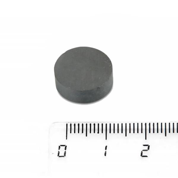 Disc Circular Sintered Ceramic Magnet 15 x 5mm Y35